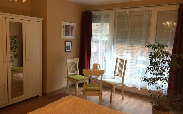 Апартаменты Artoral Rooms and Apartment Budapest комната для гостей