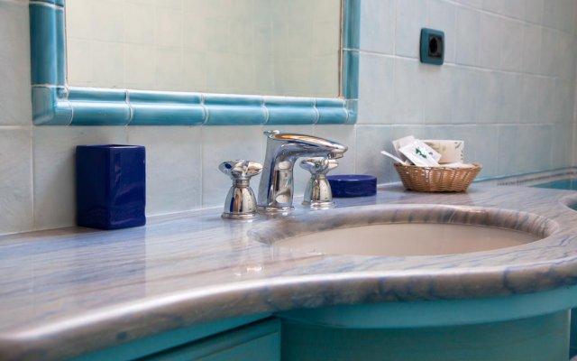 Отель The Sweet Garret Италия, Аджерола - отзывы, цены и фото номеров - забронировать отель The Sweet Garret онлайн ванная