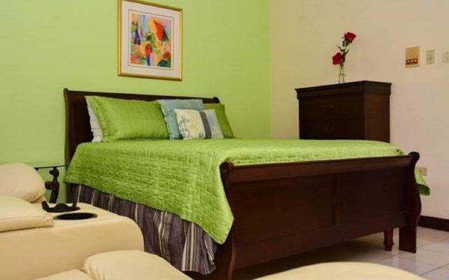 Апартаменты Apartments at Sandcastles Resort Ocho Rios комната для гостей