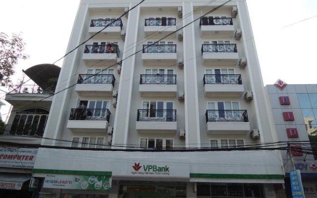 Апартаменты White Swan Apartment вид на фасад