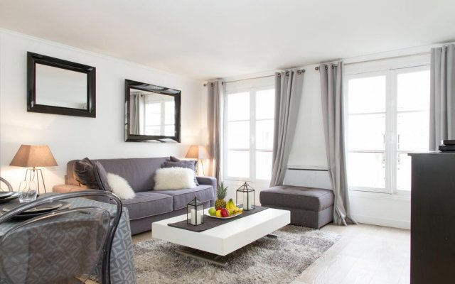 Апартаменты Private Apartment - Tuileries - Louvre комната для гостей