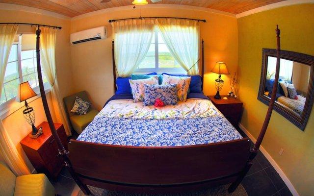 Rollezz Villas Beach Resort 0