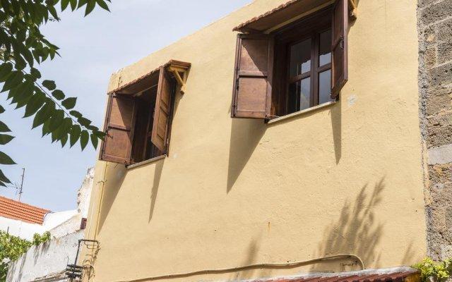 Апартаменты Zografos Apartment's - Old Town вид на фасад