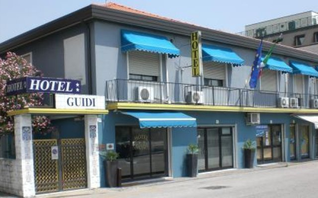 Отель Guidi вид на фасад