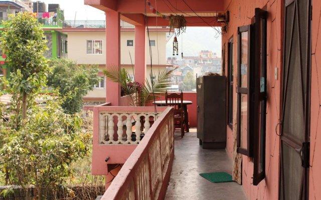 Отель Pokhara Homestay Непал, Покхара - отзывы, цены и фото номеров - забронировать отель Pokhara Homestay онлайн балкон