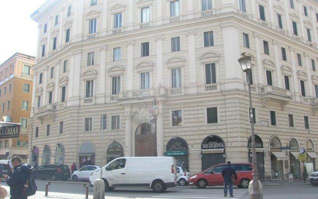Отель Pforì