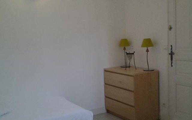 Отель La Mansarde Франция, Сент-Эмильон - отзывы, цены и фото номеров - забронировать отель La Mansarde онлайн комната для гостей