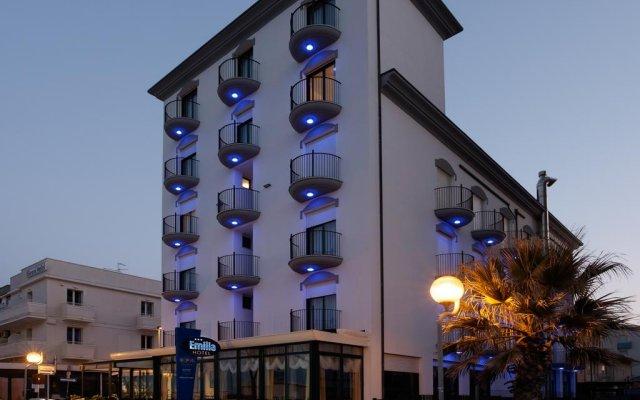 Отель Emilia Италия, Римини - отзывы, цены и фото номеров - забронировать отель Emilia онлайн вид на фасад