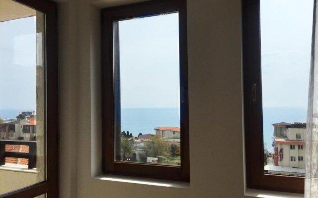 Отель Dom-El Real Apartments Amphora Болгария, Свети Влас - отзывы, цены и фото номеров - забронировать отель Dom-El Real Apartments Amphora онлайн комната для гостей