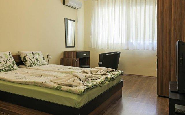 """Отель Guest House """"Momchil"""" София комната для гостей"""