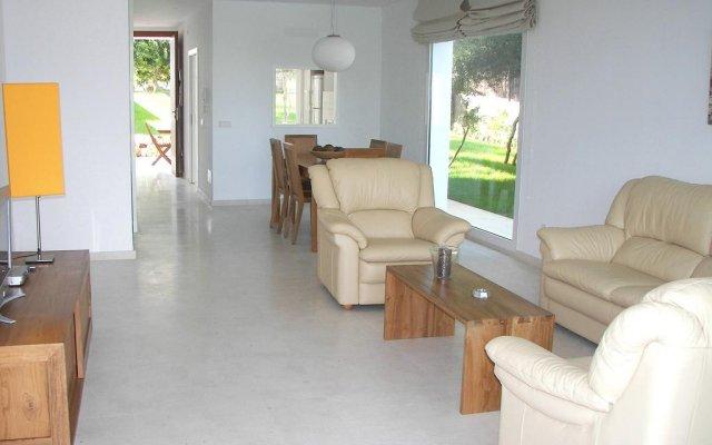 Отель Villa Terra Кала-эн-Бланес комната для гостей