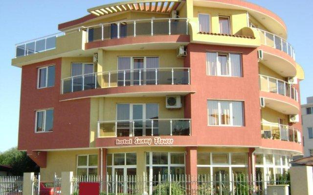 Отель Sunny Flower Hotel Болгария, Солнечный берег - отзывы, цены и фото номеров - забронировать отель Sunny Flower Hotel онлайн вид на фасад