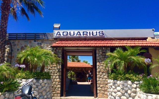 Aquarius Beach Hotel вид на фасад