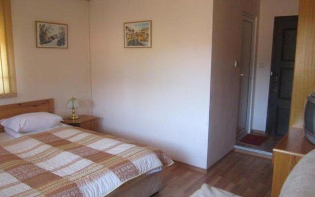 """Отель Toncho""""s Guest House & Mehana Велико Тырново комната для гостей"""