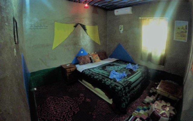 Отель Chez Les Habitants Марокко, Мерзуга - отзывы, цены и фото номеров - забронировать отель Chez Les Habitants онлайн комната для гостей