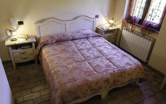 Отель Agriturismo Pompagnano Сполето комната для гостей