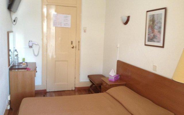 Отель Bons Dias Лиссабон комната для гостей