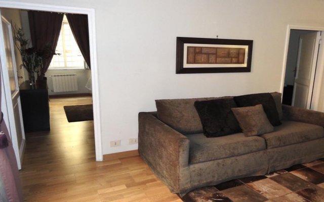 Апартаменты DormiRoma Apartments Piazza Navona - Victoria Suite комната для гостей