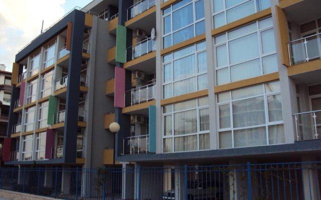 Отель Sun City Apartments Болгария, Солнечный берег - отзывы, цены и фото номеров - забронировать отель Sun City Apartments онлайн вид на фасад