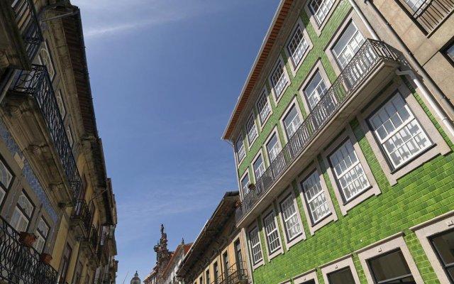 Отель Feels Like Home Porto Modern Rooftop вид на фасад