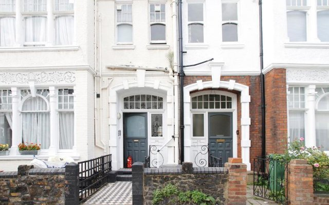 Отель Belsize Park Boutique Accommodation вид на фасад