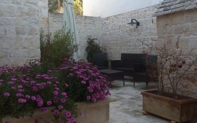 Отель Alberobello Casa Vacanze Альберобелло