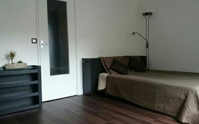 Отель Boulogne's Douceur de Vivre Булонь-Бийанкур комната для гостей