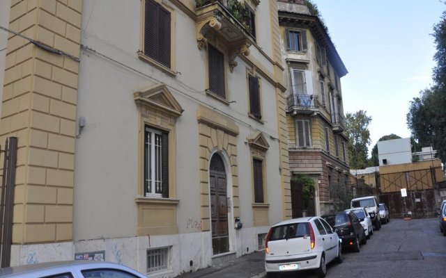 Отель Domus Romana Италия, Рим - отзывы, цены и фото номеров - забронировать отель Domus Romana онлайн парковка