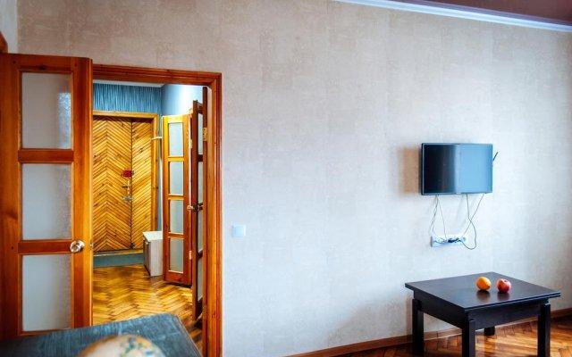 Гостиница Royal Apartment On Bazhanova 11 A Украина, Харьков - отзывы, цены и фото номеров - забронировать гостиницу Royal Apartment On Bazhanova 11 A онлайн комната для гостей