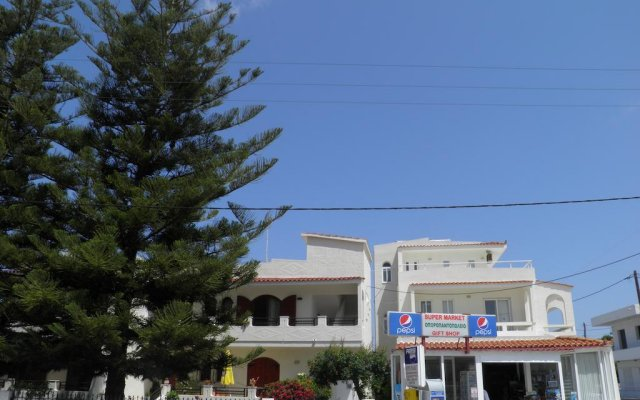 Отель Maria Studios & Apartments Греция, Петалудес - отзывы, цены и фото номеров - забронировать отель Maria Studios & Apartments онлайн вид на фасад