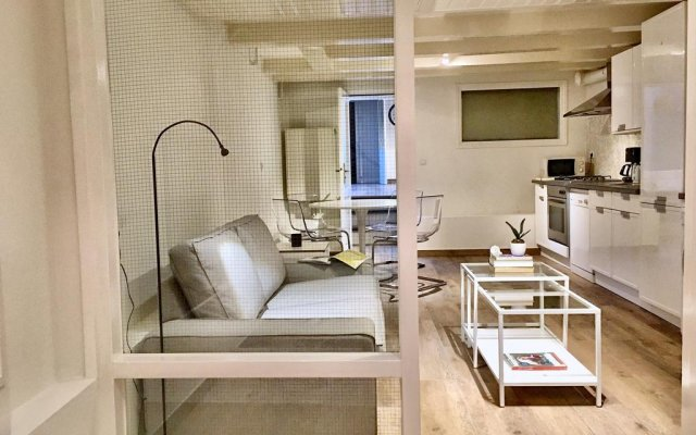 Отель Leidseplein Residence комната для гостей