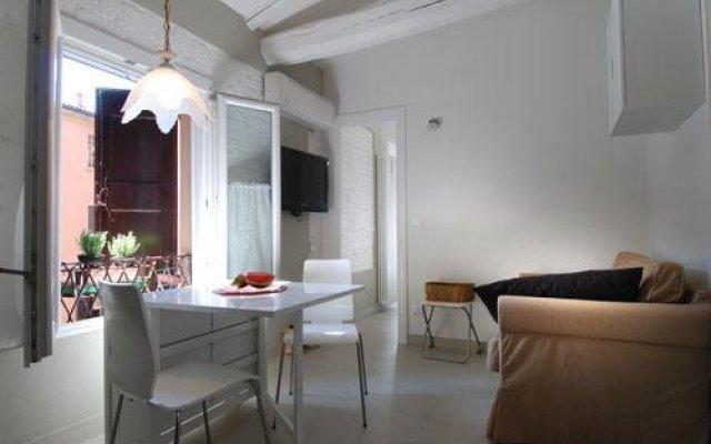 Отель Marsala B Halldis Apartment Италия, Болонья - отзывы, цены и фото номеров - забронировать отель Marsala B Halldis Apartment онлайн комната для гостей