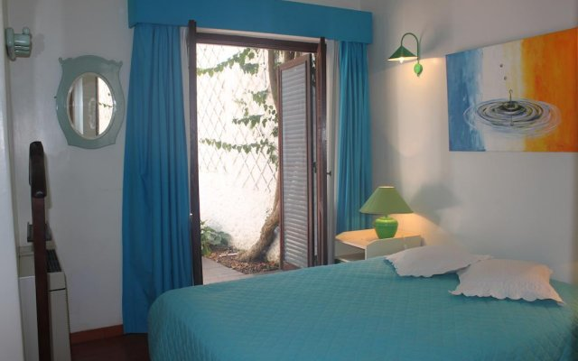 Отель Villa Twins Монте-Горду комната для гостей
