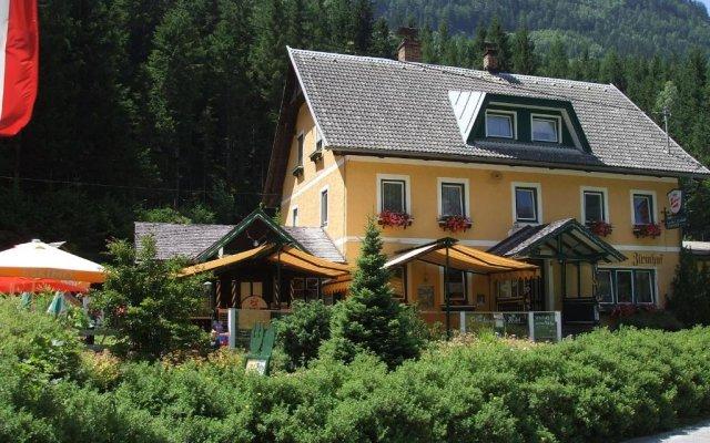 Отель Familiengasthof Zirmhof вид на фасад