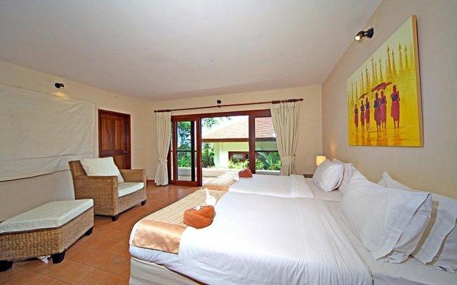 Отель Summitra Pavilion Villa No. 9 комната для гостей