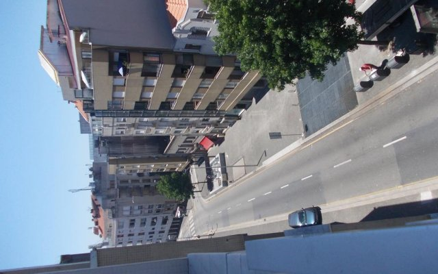 Апартаменты Oporto SightSeeing City Center Apartments вид на фасад