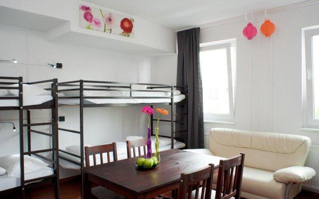Отель Alexanderplatz Accommodations Германия, Берлин - отзывы, цены и фото номеров - забронировать отель Alexanderplatz Accommodations онлайн комната для гостей