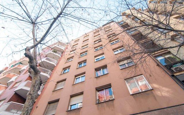 Отель Sardenya вид на фасад