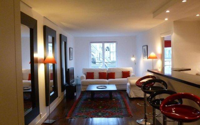 Отель St Jacques Notre Dame Париж комната для гостей