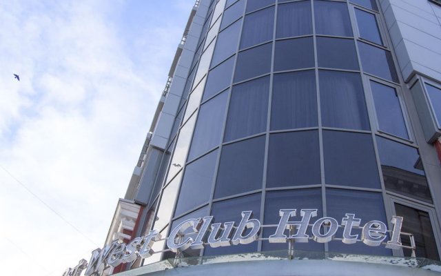 Гостиница Ost West Club вид на фасад