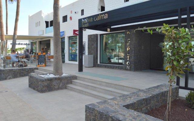 Отель Bahía Calma вид на фасад