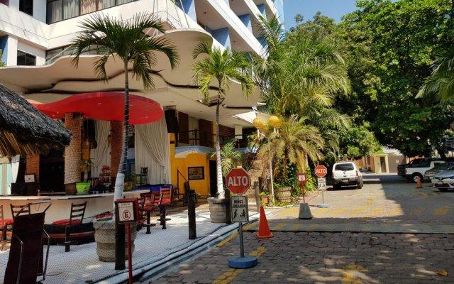 Hotel Club Del Sol Acapulco вид на фасад