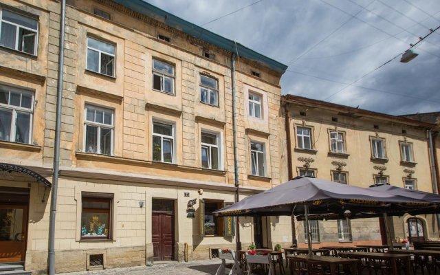 Апартаменты в центре Львова вид на фасад
