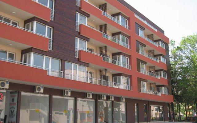 Апартаменты Apartment Miroslava Солнечный берег вид на фасад