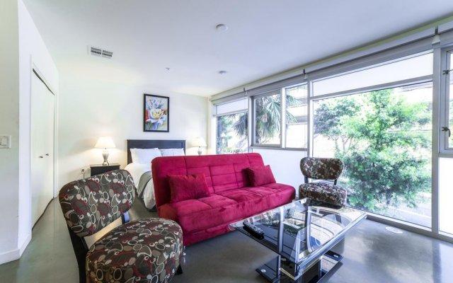 Отель Ginosi Wilshire Apartel комната для гостей
