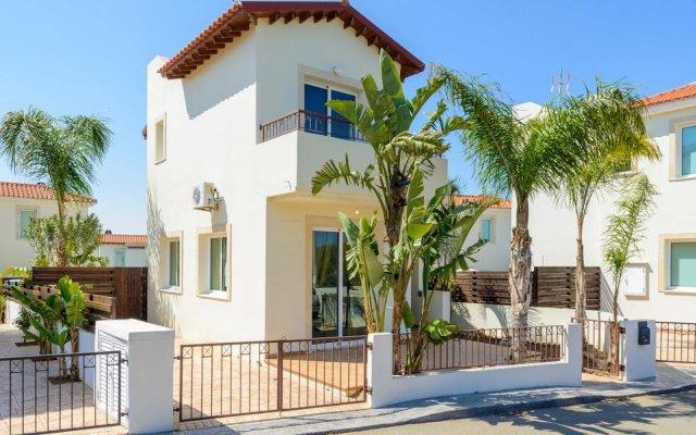 Отель Villa Amanda Кипр, Протарас - отзывы, цены и фото номеров - забронировать отель Villa Amanda онлайн вид на фасад