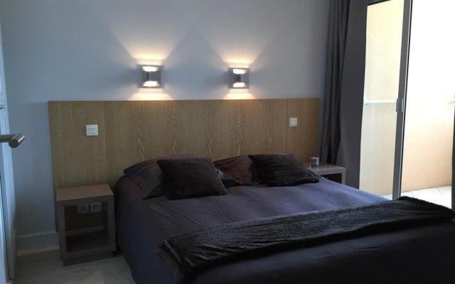 Отель Cannes Beach 514 комната для гостей