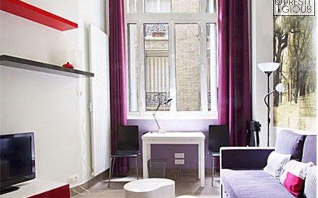Отель Design & Chic Eiffel Tower Flat комната для гостей