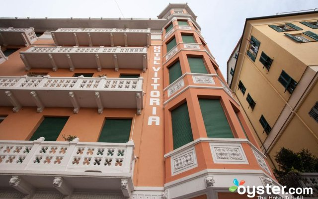 Отель Vittoria And Orlandini Генуя вид на фасад