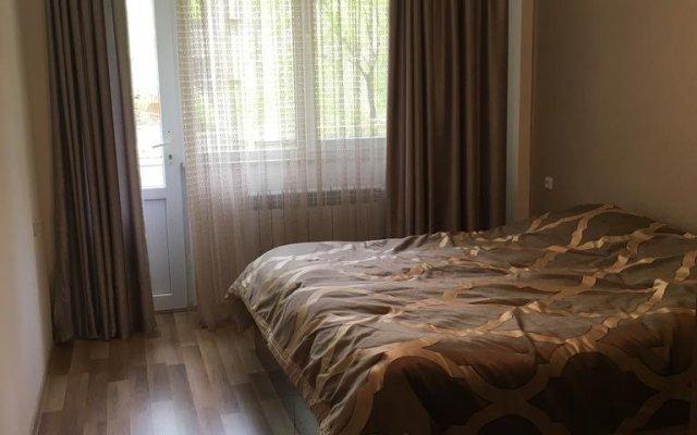 Отель Saryan Street and Mashtots blvd area Армения, Ереван - отзывы, цены и фото номеров - забронировать отель Saryan Street and Mashtots blvd area онлайн комната для гостей